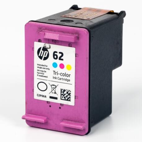 Auf dem Bild sehen Sie den ArtikelC2P06AE von Hewlett-Packard. Dieses Tintenpatrone Modell eignet sich für die Wiederaufbereitung und wird daher zum Recycling angekauft.