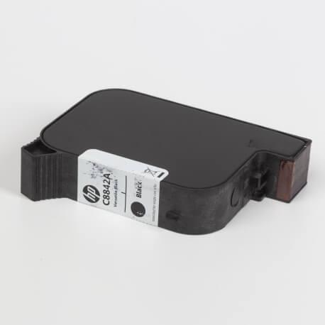 Auf dem Bild sehen Sie den ArtikelC8842A von Hewlett-Packard. Dieses Tintenpatrone Modell eignet sich für die Wiederaufbereitung und wird daher zum Recycling angekauft.