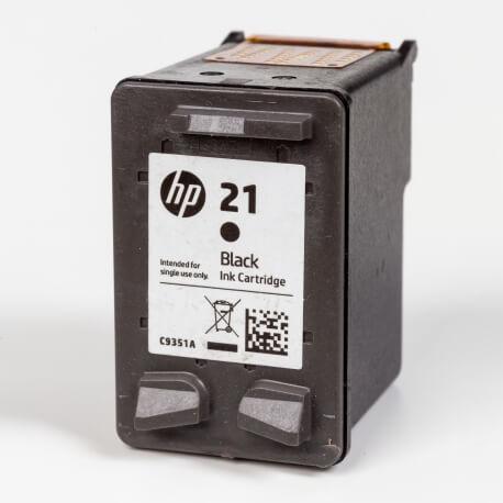 Auf dem Bild sehen Sie den Artikel C9351A XS von Hewlett-Packard. Dieses Tintenpatrone Modell eignet sich für die Wiederaufbereitung und wird daher zum Recycling angekauft.