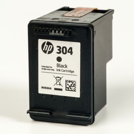 Auf dem Bild sehen Sie den ArtikelN9K06AE von Hewlett-Packard. Dieses Tintenpatrone Modell eignet sich für die Wiederaufbereitung und wird daher zum Recycling angekauft.