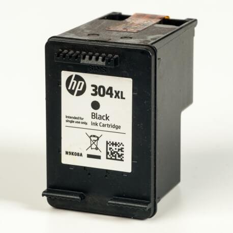 Auf dem Bild sehen Sie den ArtikelN9K08AE von Hewlett-Packard. Dieses Tintenpatrone Modell eignet sich für die Wiederaufbereitung und wird daher zum Recycling angekauft.