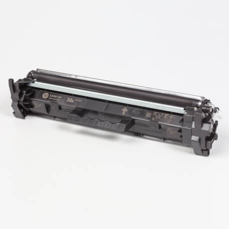 Auf dem Bild sehen Sie den ArtikelCF230A von Hewlett-Packard. Dieses Toner Modell eignet sich für die Wiederaufbereitung und wird daher zum Recycling angekauft.