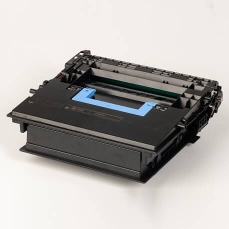 Auf dem Bild sehen Sie den ArtikelCF237Y von Hewlett-Packard. Dieses Toner Modell eignet sich für die Wiederaufbereitung und wird daher zum Recycling angekauft.