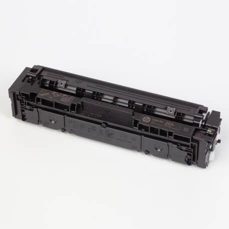 Auf dem Bild sehen Sie den ArtikelW2210A-13A von Hewlett-Packard. Dieses Toner Modell eignet sich für die Wiederaufbereitung und wird daher zum Recycling angekauft.