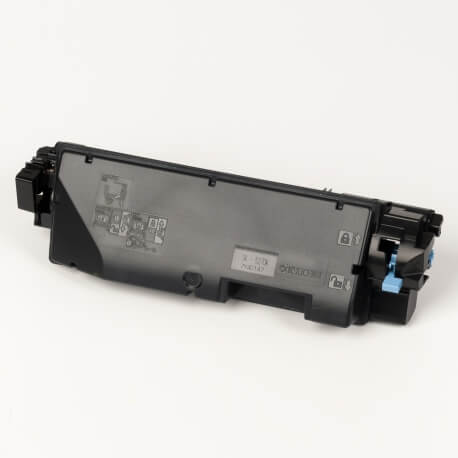 Auf dem Bild sehen Sie den ArtikelTK-5270 von Kyocera/Mita. Dieses Toner Modell eignet sich für die Wiederaufbereitung und wird daher zum Recycling angekauft.
