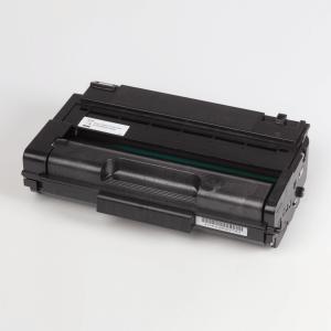 Auf dem Bild sehen Sie den Artikel406522 von Ricoh. Dieses Toner Modell eignet sich für die Wiederaufbereitung und wird daher zum Recycling angekauft.