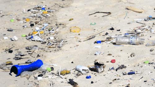 Mikroplastik: Kampf gegen den riesigen Berg an Minimüll